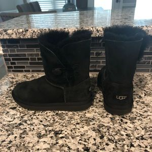Girl's black Ugg Boots